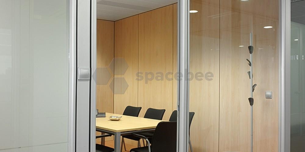 Exterior de una sala de reuniones
