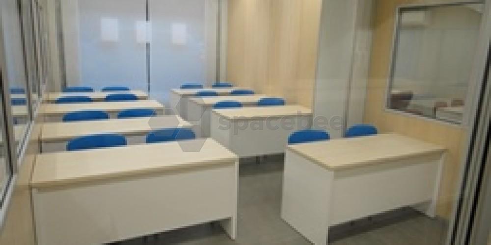 Sala pequeña en formato aula