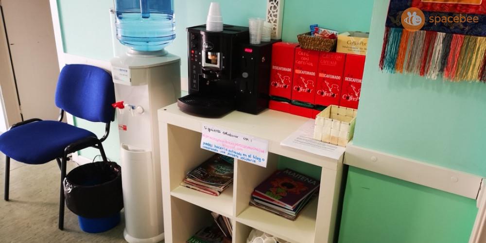 Servicios de agua y cafetera