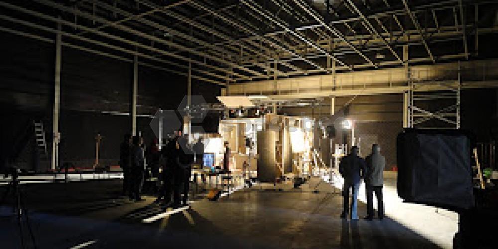 Spacebee Estudios De Cine Y Televisi 243 N Con Varios