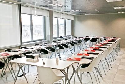 Sala de formación de hasta 40 personas