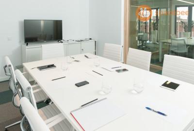 Sala de reunión de lujo para 8 personas en Ronda Universidad