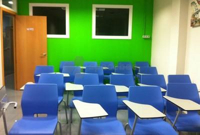 Colorida sala de formación
