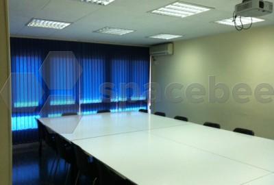Luminosa aula homologada para formación