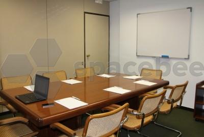 Sala para presentaciones y/o reuniones