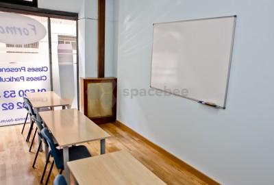 Aula para clases de 6 alumnos