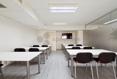 Centro de Negocios con sala de reuniones, coworking, despachos y sala de formacion