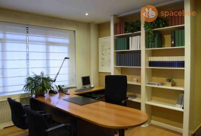 Despacho para reuniones en la calle Velazquez