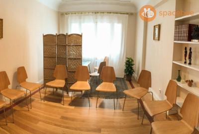 Sala para terapia de grupo, talleres, formación