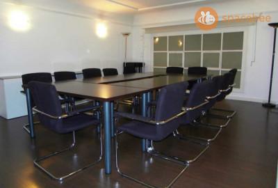 Sala de reuniones en calle Ortega y Gassrt
